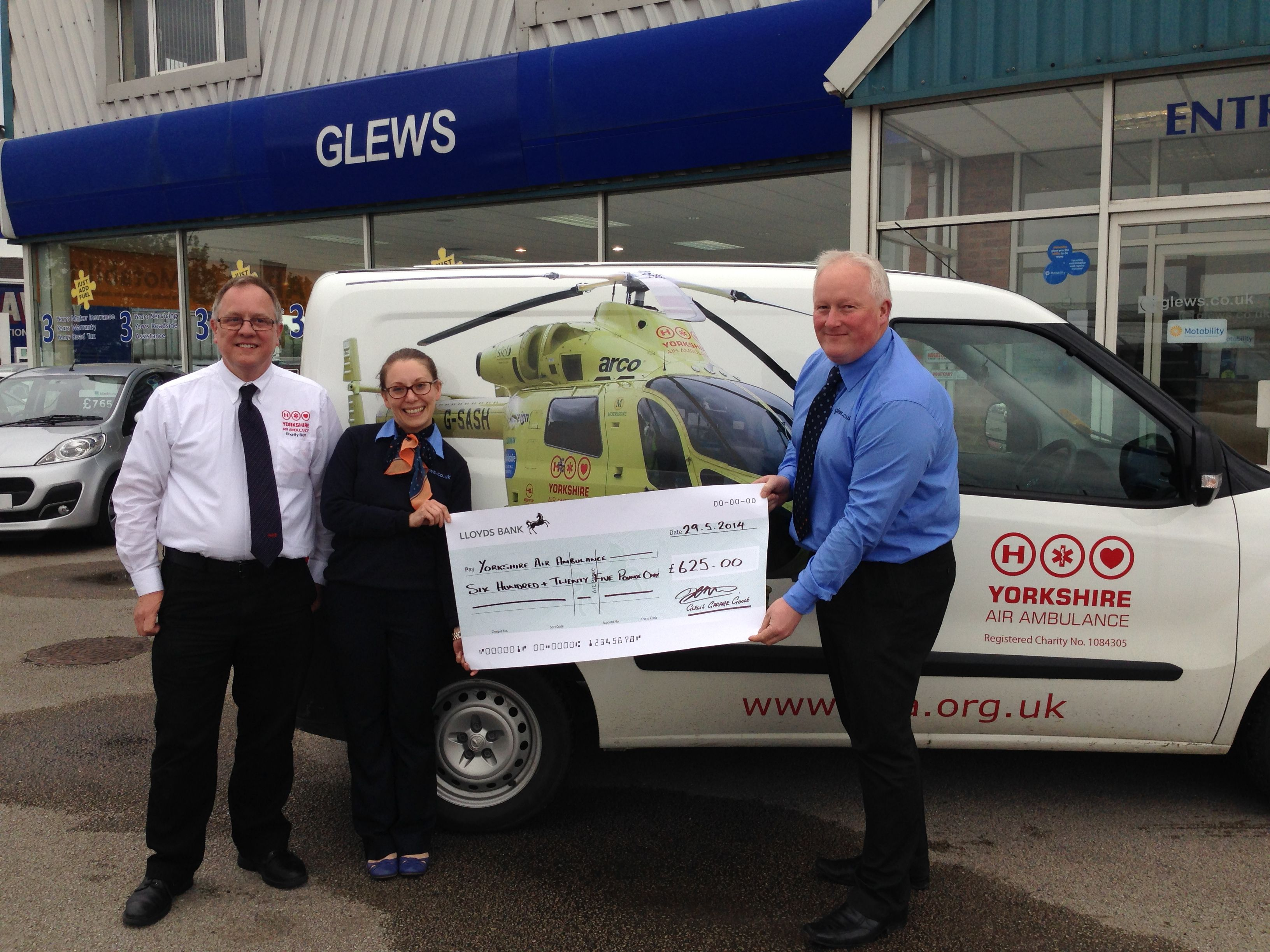 Glews deliver a Hole-in-One for Yorkshire Air Ambulance