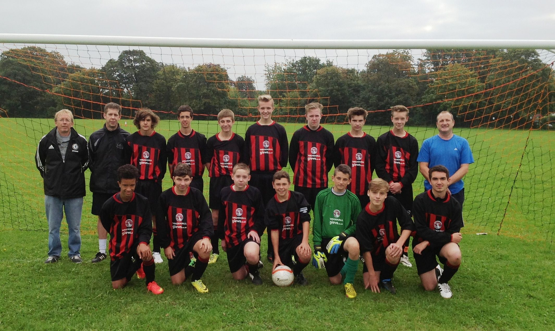 Barnby Dun Colts get New Strip Courtesy of Glews