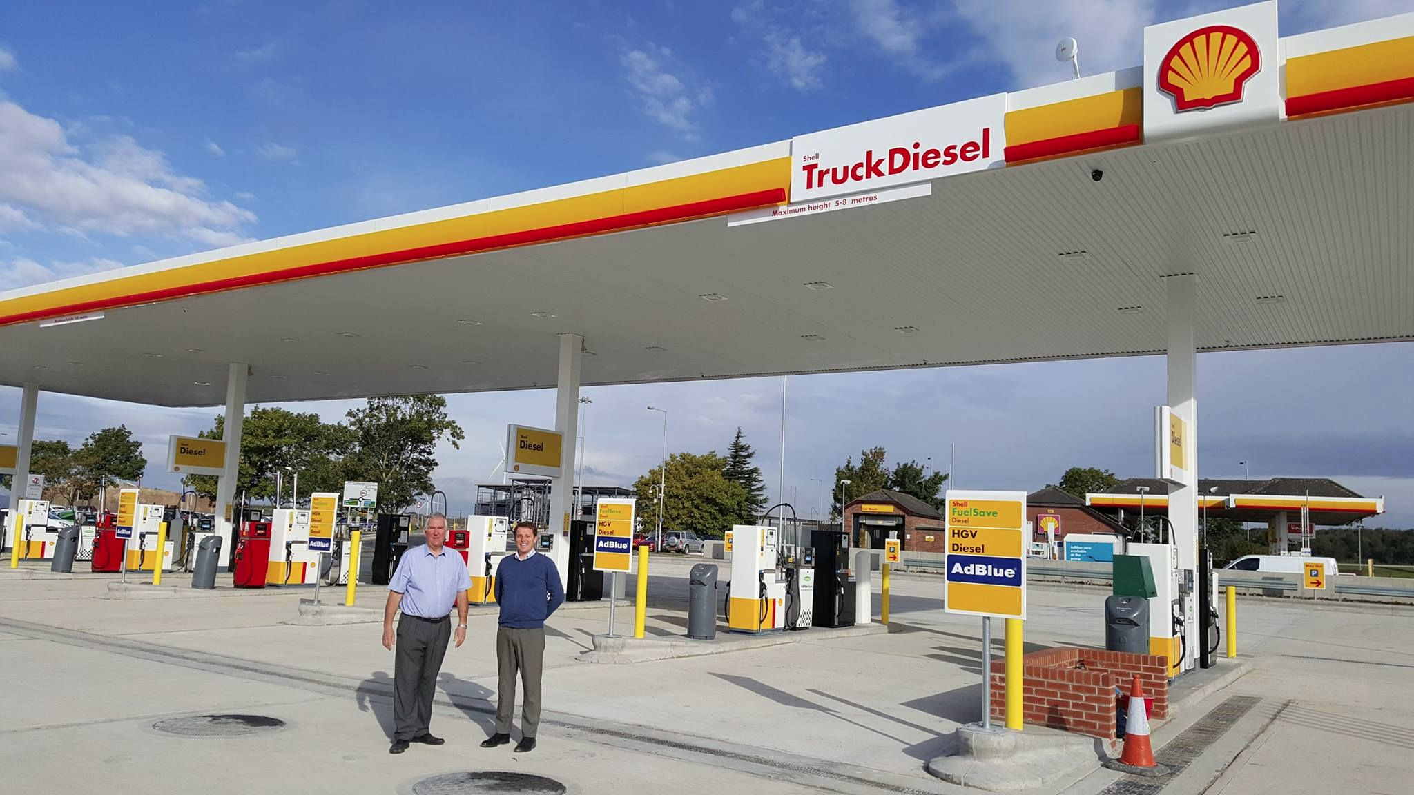 New Truck Stop at Glews Open for Business